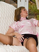 stocking lady needs to masturbate